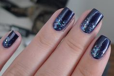 A blog about nail polish. We will post swatches of new collections, nail art and reviews! Everything you want to know about nail polish is found here.