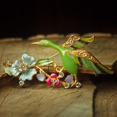 Green goose brooch pin antique styled vintage by Craft365.com ~ US$11.90