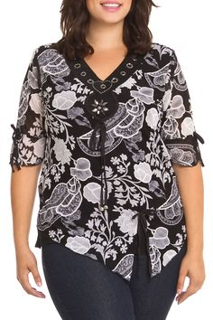 Simply Irresistible Savannah Blouse in Black And Gray - Beyond the Rack