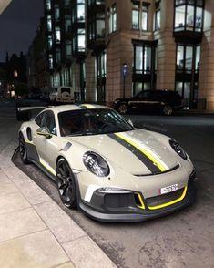 € 911 GT3 RS #PorscheGT3