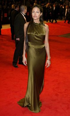 Angelina Jolie Dons A Slinky Colette Dinnigan Dress For The Bafta Awards, February 2003