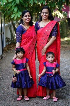 Mother & Daughter Matching Outfits for Wedding Party - Fashion Source by pnagaprerana Blouses Mom Daughter Matching Outfits, Kids Blouse Designs, Mother Daughter Fashion, Kids Dress Patterns, Half Saree Designs, Kids Lehenga, Kids Frocks Design, Combo Dress, Indie