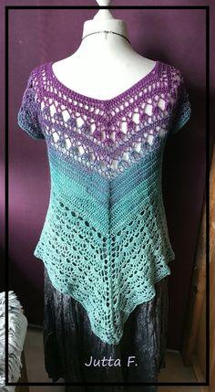 Jetzt mit RVO eine wunderbare Tunika//ein Shirt für den Sommer in allen Größen häkeln. Super für Dich, Deine Tochter oder auch Deine Enkelin. Leg gleich los