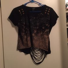 Rue 21 Asymmetrical shredded gold eagle crop top Very unique and stylish! Cute gold star studs. Good condition, mild wear. Rue 21 Tops Tees - Short Sleeve
