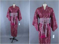 1950s Vintage Silk Kimono Robe / Wedding Dressing Gown Lingerie / Downton Abbey Art Deco / Purple Magenta Ikat Meisen Silk