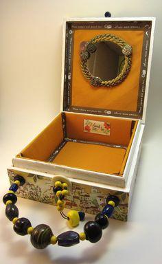 Cigar box --> Purse