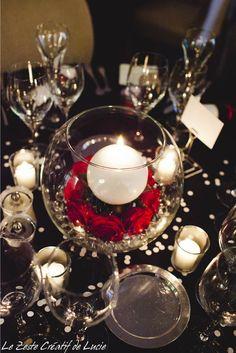 Mariage Noir à pois blanc avec une touche de rouge.