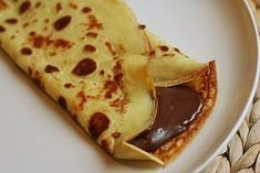 Pancake with nutella I made this for my mother(special request) She called them crepes and had my fill it w banana ,blue berries,but our crepe was chocolate Crepes Nutella, Chocolate Pancakes, Nutella Chocolate, Chocolate Filling, Easy Crepe Recipe, Crepe Recipes, Yummy Treats, Sweet Treats, Yummy Food