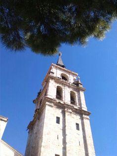 Iglesia Magistral, Alcalá de Henares-Madrid San Francisco Ferry, Notre Dame, Madrid, Building, Saints, Temple, Monuments, Get A Life, Buildings