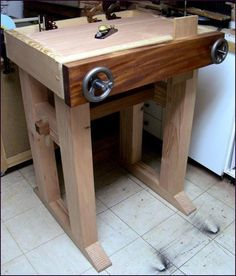 Joinery bench plans Joinery bench plans If you fancy venturing into the world of woodworking but don t know where to start you have found the right place All of the below Small Woodworking Projects, Best Woodworking Tools, Woodworking Bench Plans, Workbench Plans, Garage Workbench, Woodworking Techniques, Woodworking Furniture, Woodworking Classes, Workbench Organization
