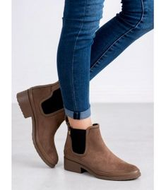 Jodhpur boots Kylie in brown are women's slip-on shoes, reaching to the ankle. The upper is equipped with black elastic bands that make it easier to put on shoes. Winter Heels, Types Of Heels, Jodhpur, Ladies Slips, Brown Boots, Slip On Shoes, Kylie, Chelsea Boots, Shoe Boots
