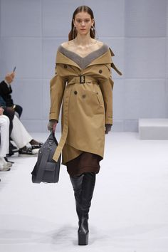 Balenciaga | Ready-to-Wear - Autumn 2016 | Look 15