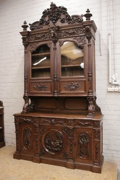 Monumental castle hunt cabinet in oak