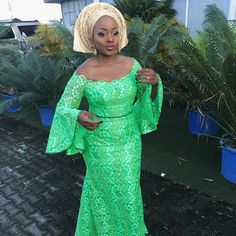 On the last edition of Aso-ebi Styles From Over The Weekend,Instagram fashionistas were, as usual, all over theinternet with the most amazing designs we have ever come across. This week's edition is even more interesting as we spotted several creative designs; from dramatic off-the-shoulder dresses, to mermaid gowns with exaggerated details, to dresses with sheer … … Continue reading →