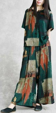 Modest Fashion, Hijab Fashion, Fashion Dresses, Fashion Wear, Womens Fashion, Girls Pants, Pants For Women, Clothes For Women, Stylish Dresses For Girls