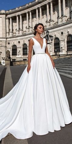 Noble 2018 New Fashion BeadWedding Dress, white satin wedding dress, bridal . Noble 2018 New Fashion BeadWedding Dress, white satin wedding dress, V-neck wedding dress. Classic Wedding Dress, Long Wedding Dresses, Perfect Wedding Dress, Bridal Dresses, Wedding Gowns, Modest Wedding, Event Dresses, Wedding Dresses Stella York, Wedding Sundress