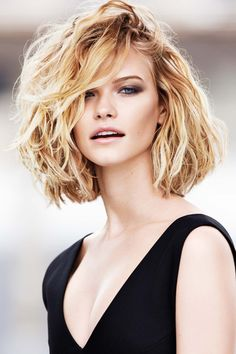 Cute Korean Short Hairstyle For Thick Wavy Hair Hair Salon Haircuts For Medium Hair, Medium Hair Cuts, Medium Hair Styles, Curly Hair Styles, Curly Haircuts, 2015 Hairstyles, Spring Hairstyles, Cool Hairstyles, Bob Hairstyle