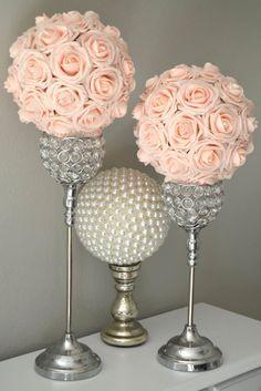 BLUSH rosa besos bola. Centro de mesa de boda. Bola de flores