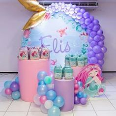 Adorei esse cantinho para as lembrancinhas!!! Ficou lindo!! Via @lizzypetit Decor By @casinhadefesta_slz . . . . . . . . . . #sereia #festasereia #mermaidparty #sereismo #decoracaosereia #painelredondo #arcodesconstruido #caudasereia #festejarcomamor #festejandoemcasaoficial #queridadata #asmelhoreslembrancinhas #horadeapagaravelinha #dicasparafestas Mermaid Birthday Decorations, Mermaid Theme Birthday, Barbie Birthday, Third Birthday, Balloon Decorations, Mermaid Balloons, Mermaid Baby Showers, Little Mermaid Parties, First Birthdays
