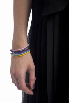 Notre #musthave is back ! Le #bracelet original avec 29 couleurs au choix. Vous pouvez l'obtenir en 1 ou 2 tours - à partir de 89 €. Shop now !  #myfirstdiamond #coloryourlife #diamonds #jewelry #original