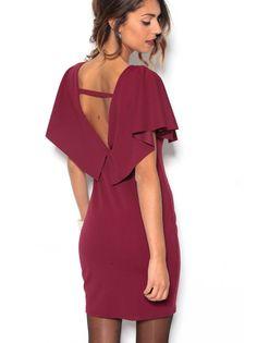 Los vestidos se llevan con cortes capa sobre los hombros. Sigue la tendencia más elegante con este vestido corto de fiesta de escote redondeado y espalda en - Venca - 006523