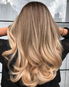 haircut ideas for long hair straight Balayage hair color Ombre Hair Color, Hair Color Balayage, Ombre Highlights, Balayage Ombre, Brown Balayage, Haircolor, Dyed Blonde Hair, Ash Blonde, Curly Blonde