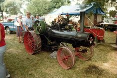Lawn Tractors, Old Tractors, Steam Tractor, Steam Engine, Antique Cars, Old Things, Tractor, Vintage Cars, Antique Tractors