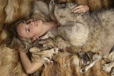 Fox Fur Coat, Fur Coats, Fur Blanket, Soft Blankets, Fur Fashion, Sexy Women, Hoodies, Jackets, Furs