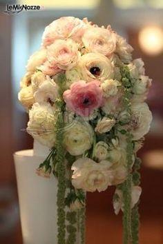 http://www.lemienozze.it/gallerie/foto-bouquet-sposa/img7579.html  Bouquet sposa di peonie