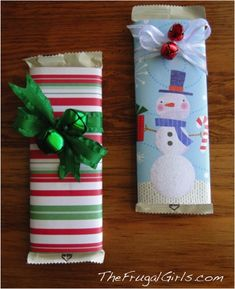 Pretty Christmas Candy Bars = thrifty gift! {or stocking stuffer!} via TheFrugalGirls.com #Christmas
