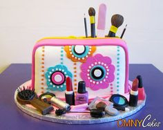 makeup cake @Ashleigh {bee in our bonnet} {bee in our bonnet} Townsend