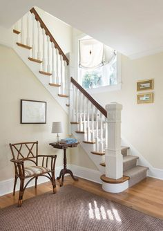 Benjamin Moore Natural Cream OC-14 Paint Color. #BenjaminMooreNaturalCream #BenjaminMoorePaintColors