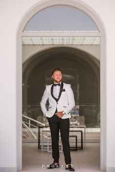Behold the absolute summer destination wedding at the most breathtaking spot of Santorini: Le Ciel terrace! Chelsea and George, a young and beautiful. Be My Groomsman, Groom And Groomsmen, Wedding Groom, Wedding Suits, Santorini Wedding, Suit Up, White Suits, Hats For Women, Women Hat