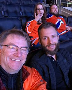 Chillin with the Grizzly Adams at the oiler game #oilers#remax#rogers place