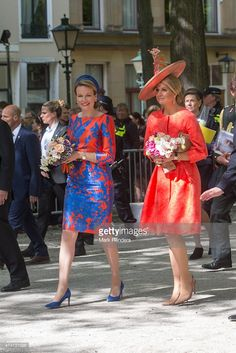 Queen Mathilde of Belgium (l) and Queen Maxima of the Netherlands inaugurate the sculpture festival 'Vormidable' on May 20, 2015 in The Hague, Netherlands. (Photo by Mark Renders/Getty Images)
