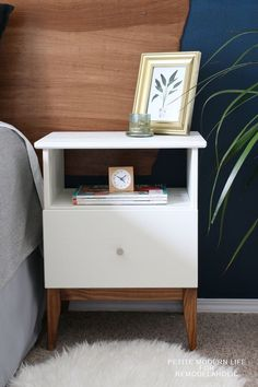Gorgeous mid century Ikea Tarva hack by Petite Modern Life on Remodelaholc - Ikea DIY - The best IKEA hacks all in one place Ikea Hack Nightstand, Ikea Table Hack, Ikea Side Table, Nightstands, Bedroom Decor On A Budget, Home Decor Bedroom, Diy Bedroom, Decoration Design, Deco Design