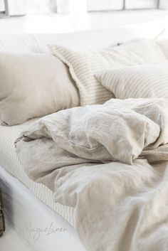 Linen bedding set in Natural Linen (Oatmeal) color (duvet cover + 2 pillowcases). US King, Queen. Washed Linen Duvet Cover, Bed Linen Sets, Bed Sets, Linen Sheets, Bed Sheet Sets, Linen Bedding, Bed Linens, Girl Bedding, Linen Fabric