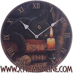 Reloj de pared Witch Cat. Diseño de Lisa Parker #gatos #brujas