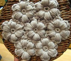 Crochet flower art - LOVE it!