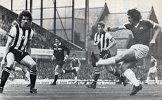 Mike Pejic scores against Newcastle 1977-78