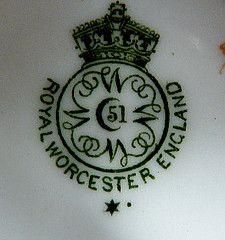 H650N Backstamp on Pair of 1917 Royal Worcester blue and white quad sets