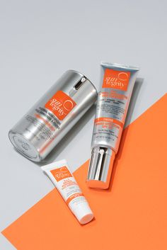 Say yes to multi-tasking, beauty boosting sunscreen. Suntegrity Broad Spectrum SPF 30 is good for your skin. Organic Skin Care, Natural Skin Care, One Love Organics, Hot Pink Nails, Sunscreen Spf, Protector Solar, Korean Make Up, Lip Care, Broad Spectrum