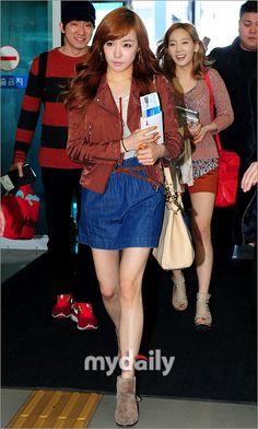 Tiffany ; cool airport fashion # Kpop star fashion # korea fashion # Korean fahsion