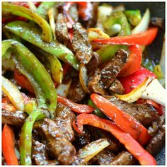 This beautiful One Skillet Steak and Peppers has so much flavor. It is packed full of juicy steak, tender crisp onions and bell peppers in a lightly sweet Hoisin ginger mustard sauce that is amazin… Skirt Steak Recipes, Beef Recipes, Cooking Recipes, Recipies, Thin Steak Recipes, Beef Fajita Recipe, Sirloin Steak Recipes, Chuck Steak Recipes, Healthy Steak Recipes