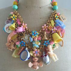Vintage Toy Necklace Flower Statement Bib Child's от rebecca3030