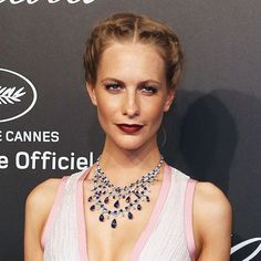 Sun-kissed cheeks * Poppy Delevingne in tanned makeup during Cannes 2015.