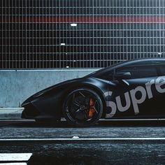 Suporghini #blkvis ____ #lamborghini #huracan #car #car #instacar #cargram #supercar #supreme