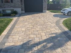 Mounting a Block or Paver Walkway – Outdoor Patio Decor Driveway Tiles, Stamped Concrete Driveway, Stone Driveway, Concrete Driveways, Outdoor Patio Pavers, Outdoor Patio Designs, Paver Walkway, Patio Layout, Patio Flooring