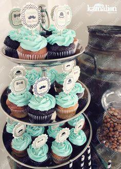 www.kamalion.com.mx - Mesa de Dulces / Candy Bar / Postres / Baby Shower / Negro & Menta / Mint & Black / Vintage / Rustic Decor / Little man / Cakepops / Cup cakes / Dessert.
