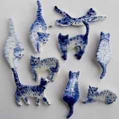 Милые фарфоровые брошки от Harriet Damave #cute #handmade #porcelain #brooch…